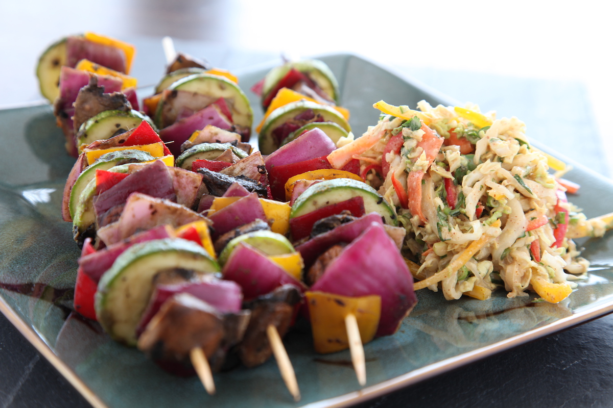 Dehydrated vegetable kebabs with asian slaw